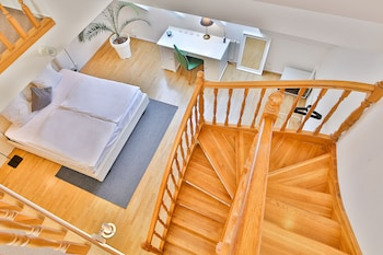 Wenceslas Square Duplex by easyBNB