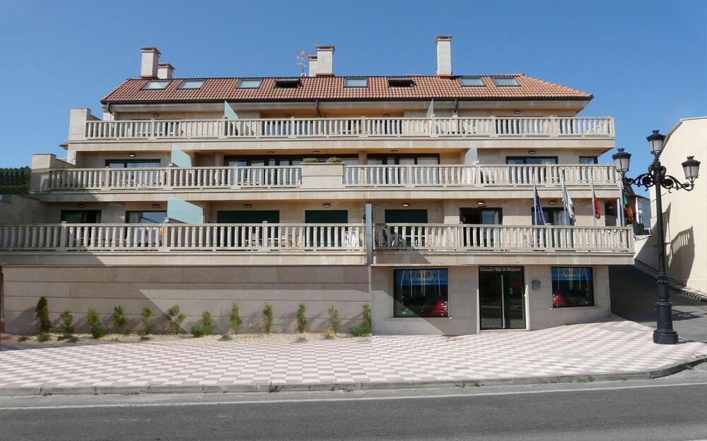 d77658f501119 Apartamentos Mirador Ria de Bayona in Baiona