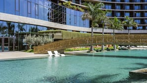 2 indoor pools, 3 outdoor pools, free pool cabanas, pool umbrellas