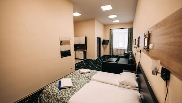 Hypo-allergenic bedding, desk, soundproofing, free WiFi
