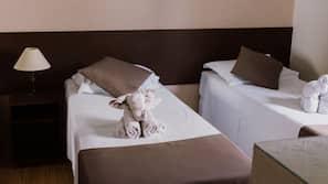 Cortinas blackout, Wi-Fi de cortesia, roupa de cama
