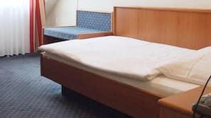 Schreibtisch, Verdunkelungsvorhänge, kostenlose Babybetten, Bettwäsche