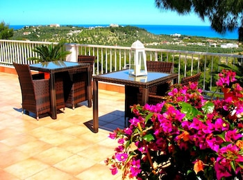 Apartment With one Bedroom in Macchia di Mauro, Vieste, With Wonderful sea View, Furnished Terrace and Wifi - 2 km From the Beach