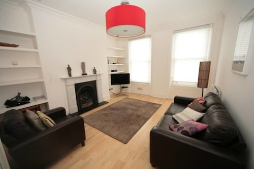2 Bedroom Apartment in Wimbledon Village
