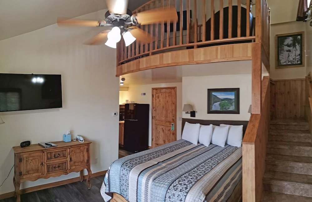 Yellowstone Riverside Cottages In Gardiner Hotel Rates Reviews On Orbitz