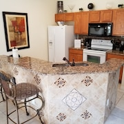 4 Bed W/private Pool at Luxury Resort, Minutes From Disney!