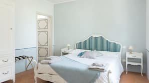 Edredones de plumas, wifi gratis, ropa de cama