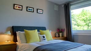 2 多间卧室、书桌、熨斗/熨衣板、免费 WiFi
