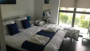 5 bedrooms, blackout drapes, free WiFi, bed sheets