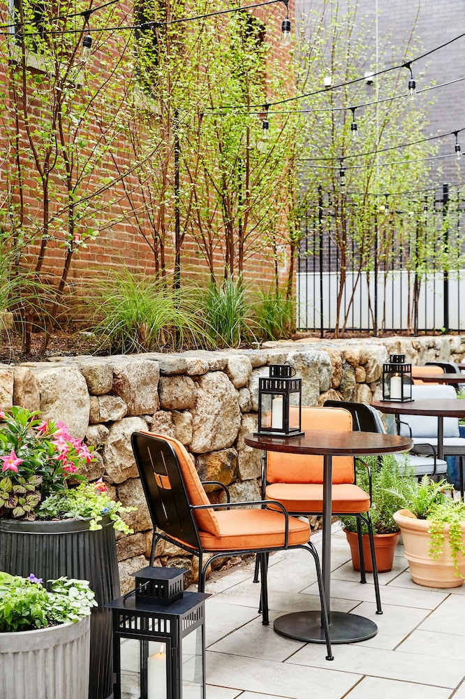 Terrace/Patio, The Blake Hotel