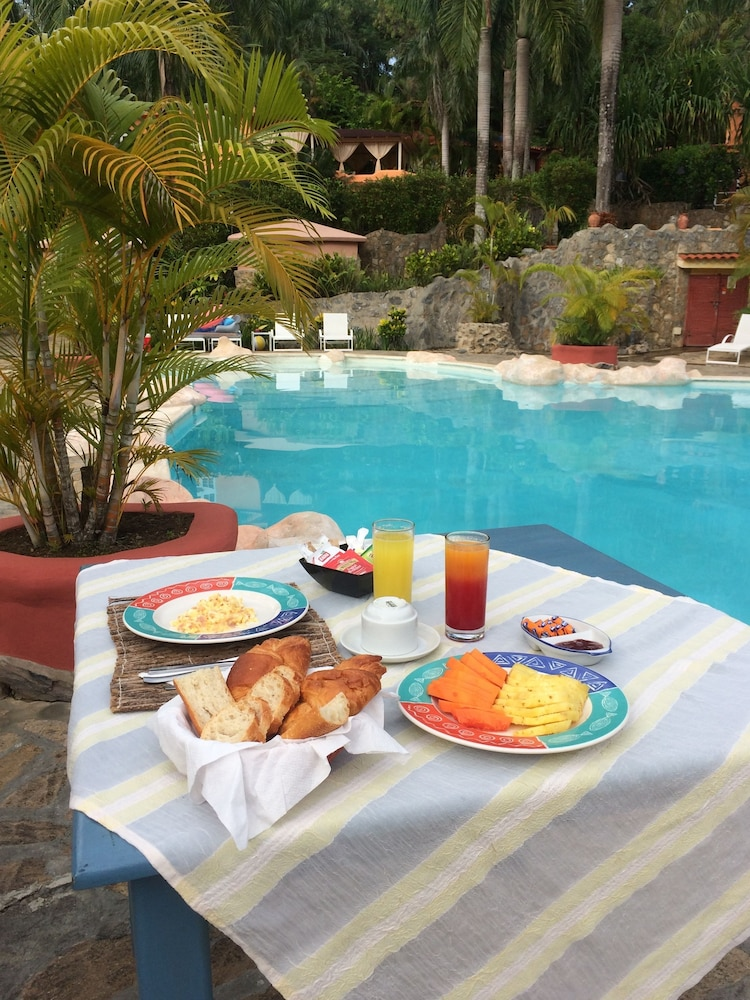 Breakfast Meal, Madrugada Residencial