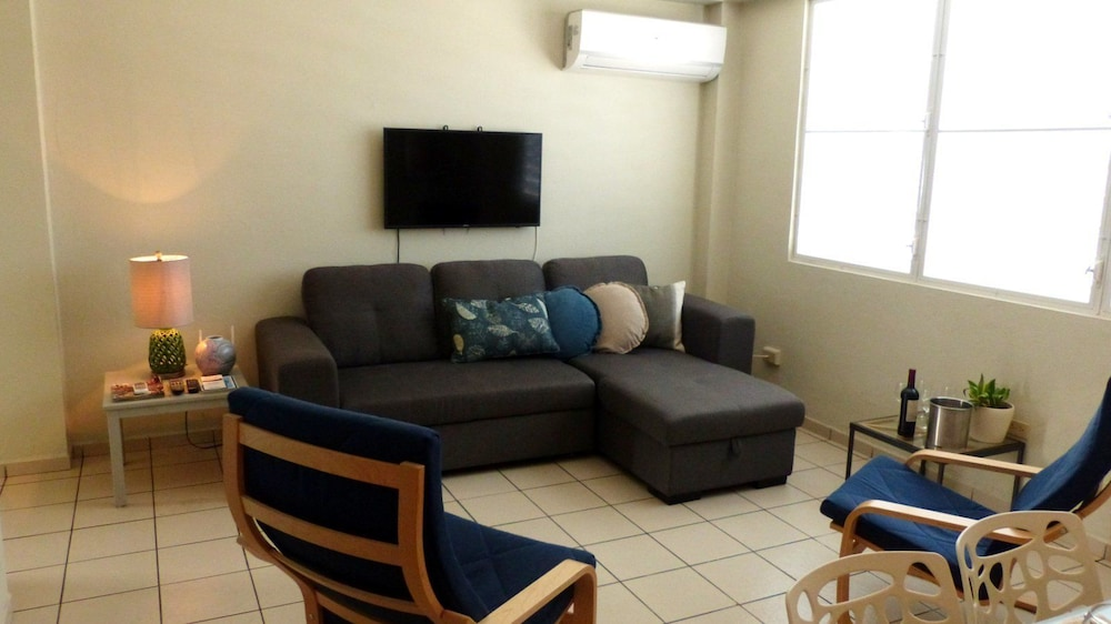 Living Area, Utuado Lodging - Downtown