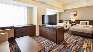 Down comforters, in-room safe, desk, free WiFi