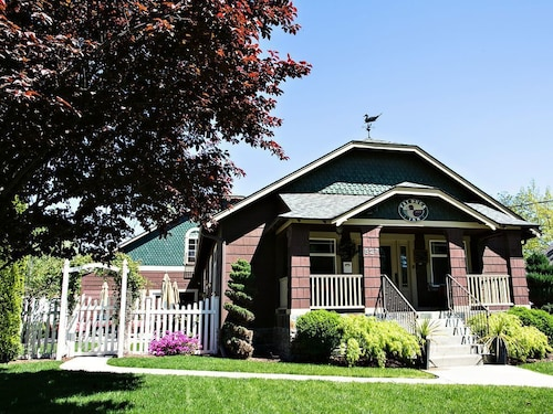 Check Expedia for Availability of Fat Duck Inn - Luxury Lodging In The Heart Of Washingtons Wine Country
