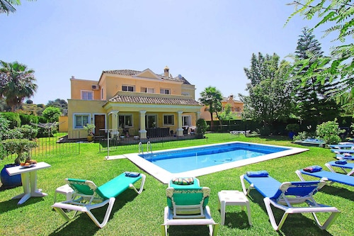 1106 Family Villa Heated Pool High Speed Wifi Netflix