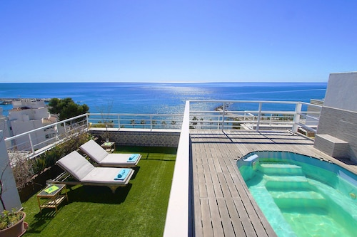1149 Unique Beachfront Penthouse 400M2 Marbella Center