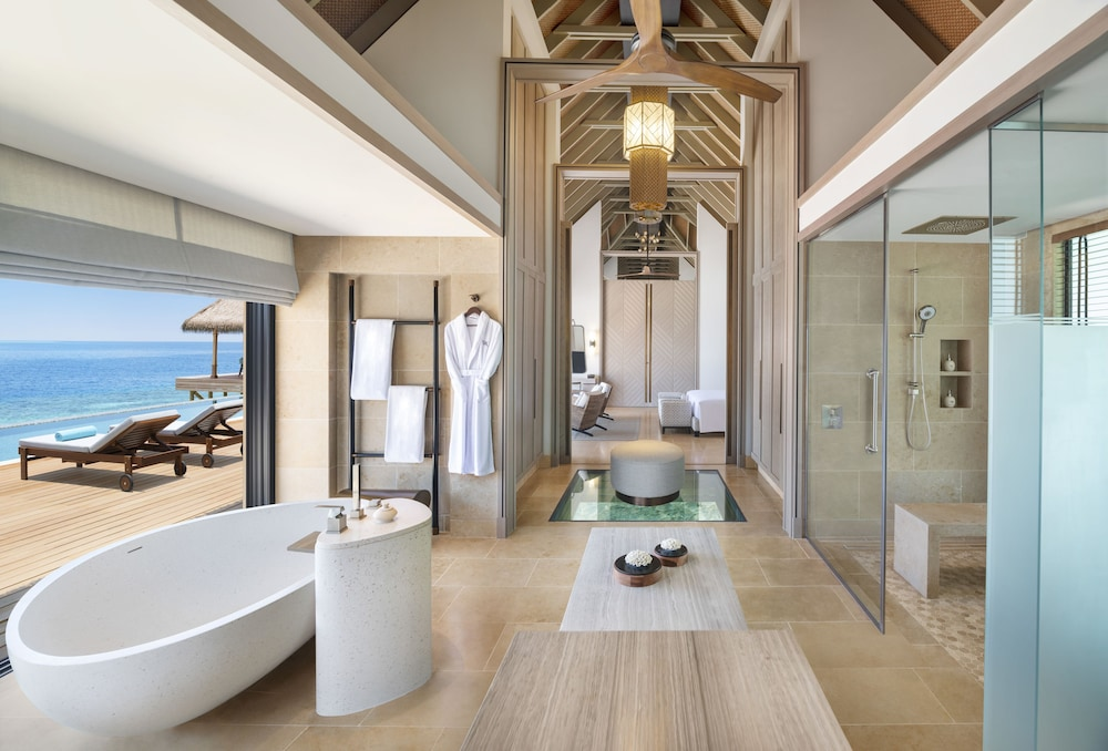Bathroom, Waldorf Astoria Maldives Ithaafushi