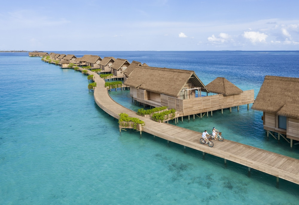 Bicycling, Waldorf Astoria Maldives Ithaafushi