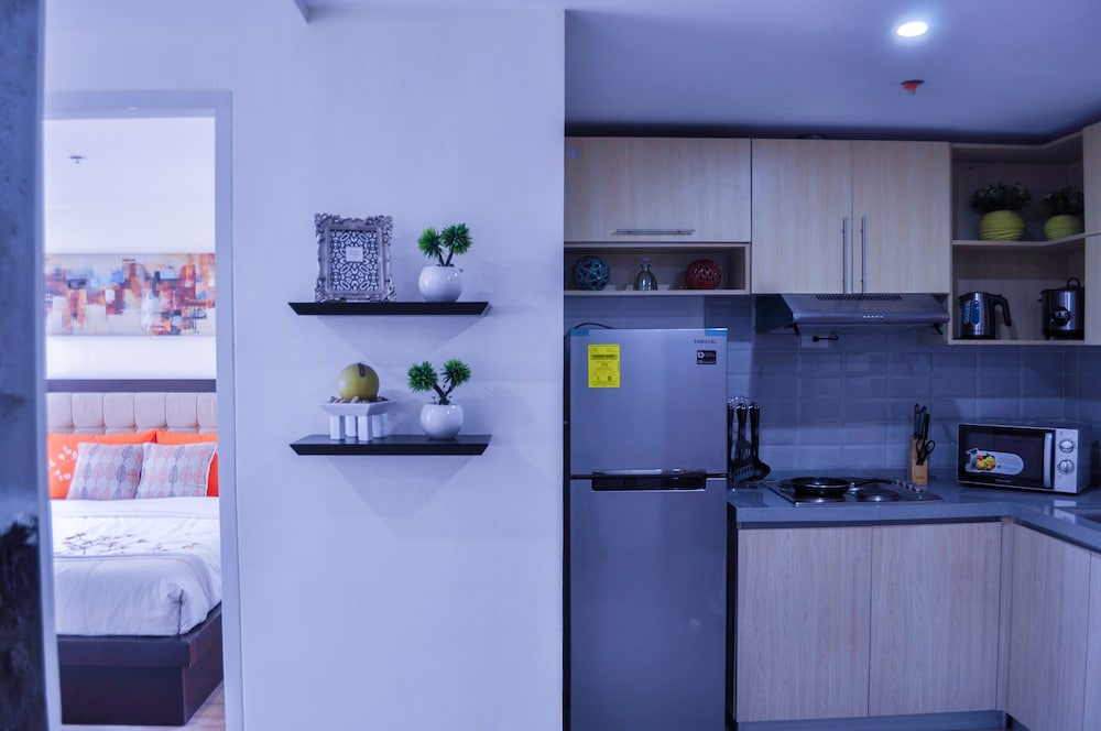 Private Kitchen, A Brandnew and Stylish Condominium