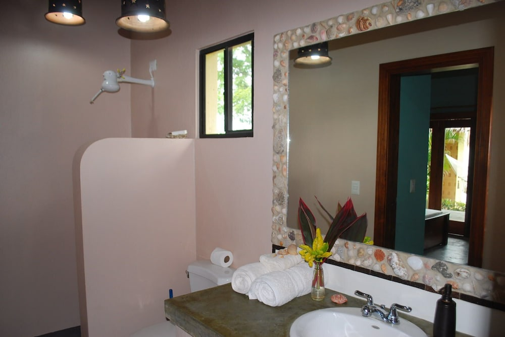 Bathroom, 'casa Las Olas', House With Private Pool Nr Surf Beach