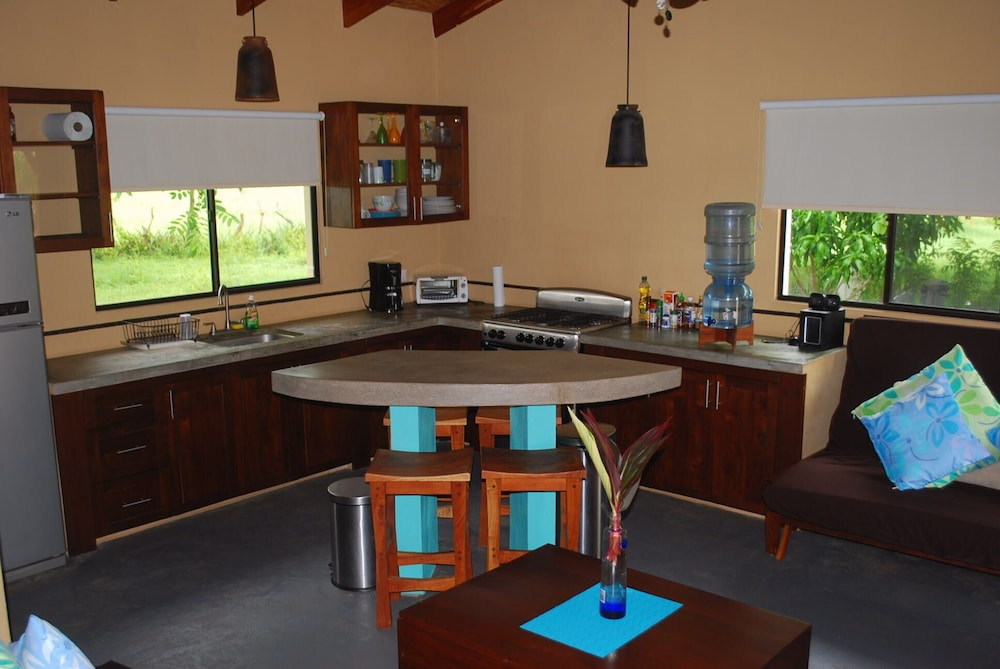 Private Kitchen, 'casa Las Olas', House With Private Pool Nr Surf Beach