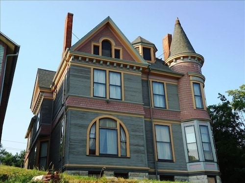 Victorian Mansion Weddings, Rehearsals, Family Reunions, $350/nt-slp up to 24