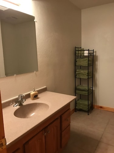Bathroom, Antler INN Cabin AT Starved Rock.... Beautiful Updated 2,800sq ft Luxury Cabin