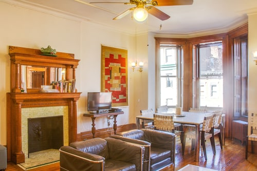 Luxury Brownstone Apartment in Historic Landmark District