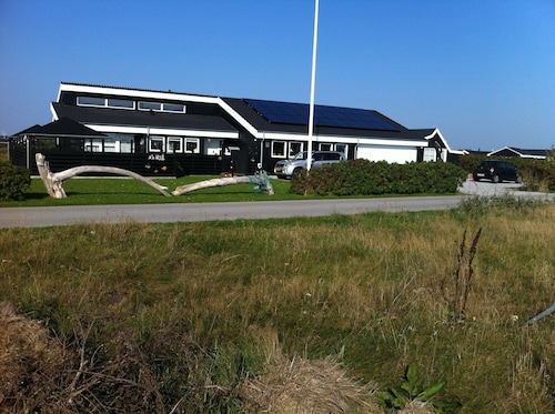 Close to Beach, Scenic and Quiet Surroundings, 8 Min. Walk to Løkken Town