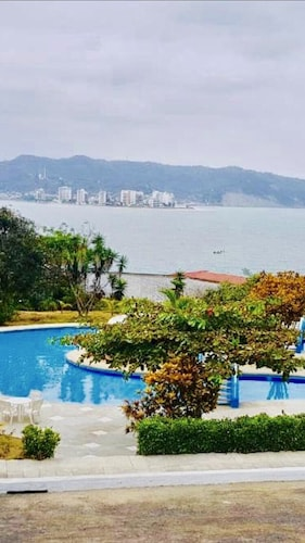 Bahia de Caraquez Beautiful Apartment With Ocean Views