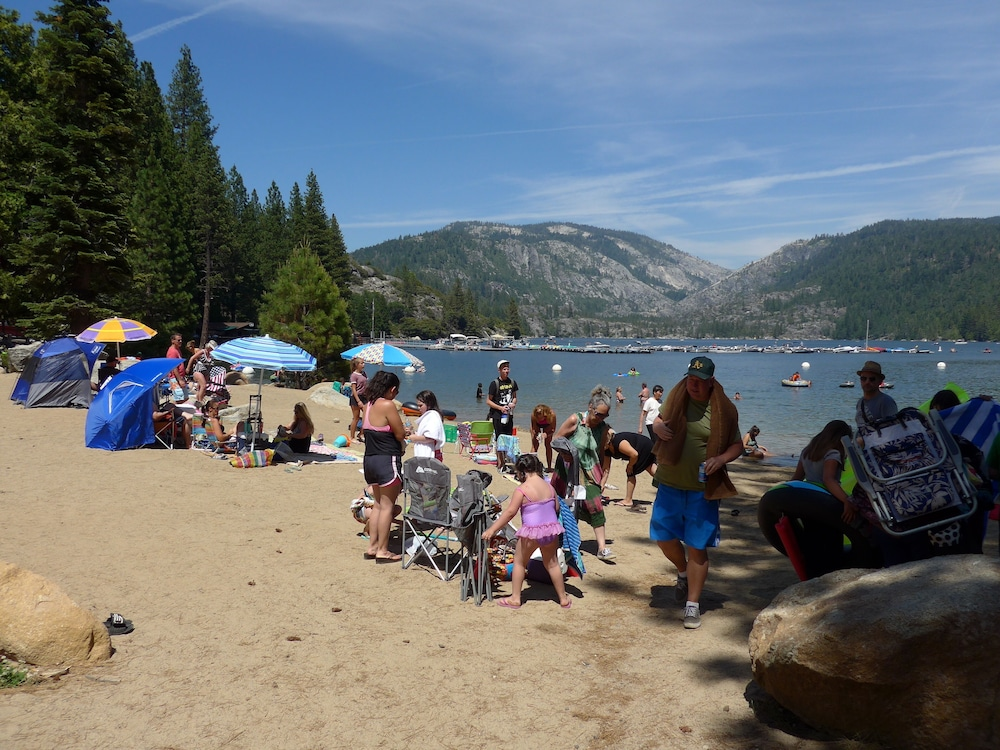 Beach, Rustic Luxury Minutes to Dodge Ridge Ski Resort and the Sierra Mountain's Fun!