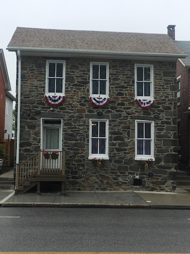 Historic 1856 Stone Home. Witness to the Battle of Gettysburg