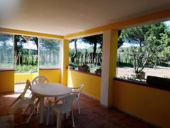 House With one Bedroom in Molinella, With Enclosed Garden and Wifi - 300 m From the Beach