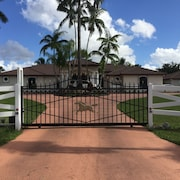 Quiet and Private Gated Ranch Guest House
