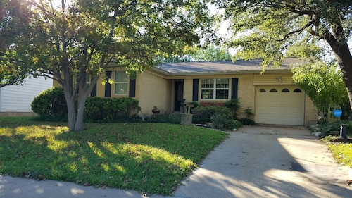 NEW ON Market!, Cute, Updated, Home in Beautiful Area of Waco,10 Min. From Silos