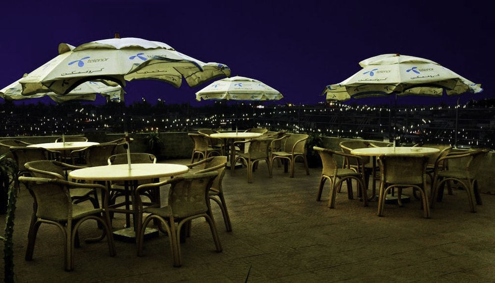 Outdoor Dining, Raj One Hotel