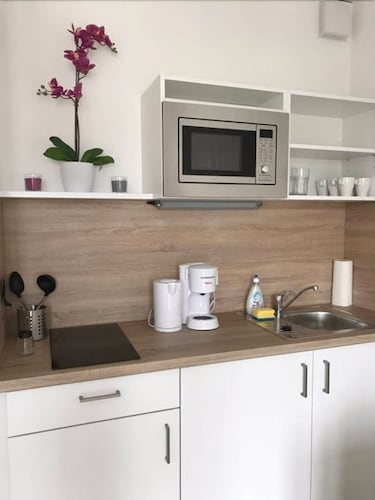 Expo Lux 20 Qm App 3 107 One Bedroom Apartment Sleeps 5 Cologne