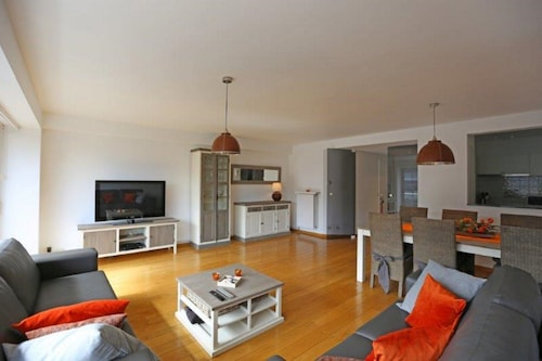 Stunning Apartment Downtown 300m From the Beach