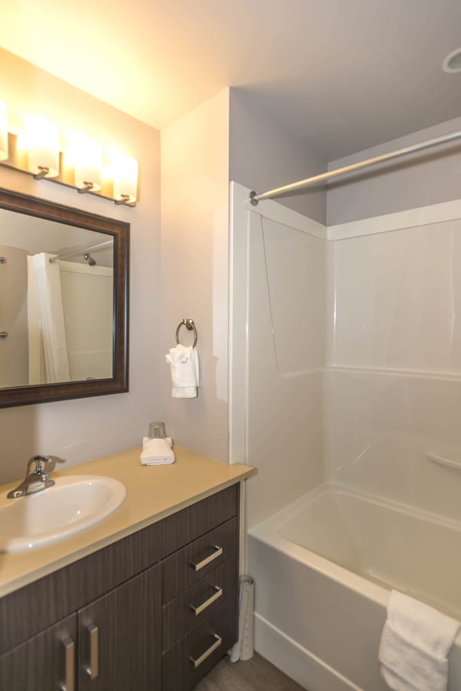 Bathroom, SoLo Suites