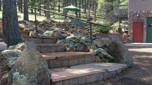 Cabin Retreat With Mtn. View, Grand Canyon & Sedona 1 hr Away, Ski in 15 min