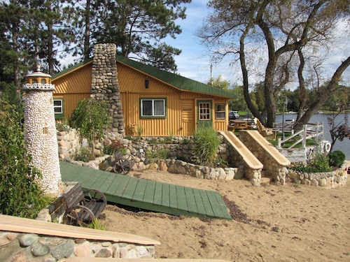 Crooked Lake Resort Cabin 3 ( Cozy Corner ) Holiday home 3 BestStayz.1