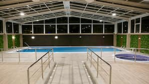 4 indoor pools