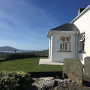 Family & Pet Friendly House Situated On A Working Hillside Sheep Farm