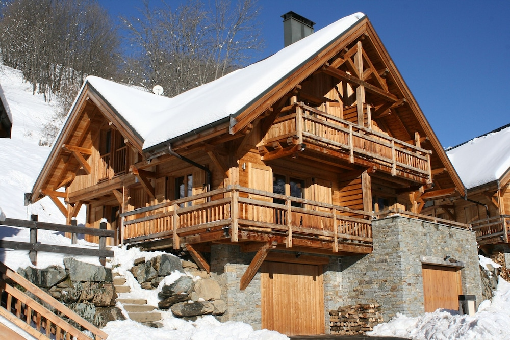 Holiday Chalet In Alpine Mountain Village in Vaujany   Hotel