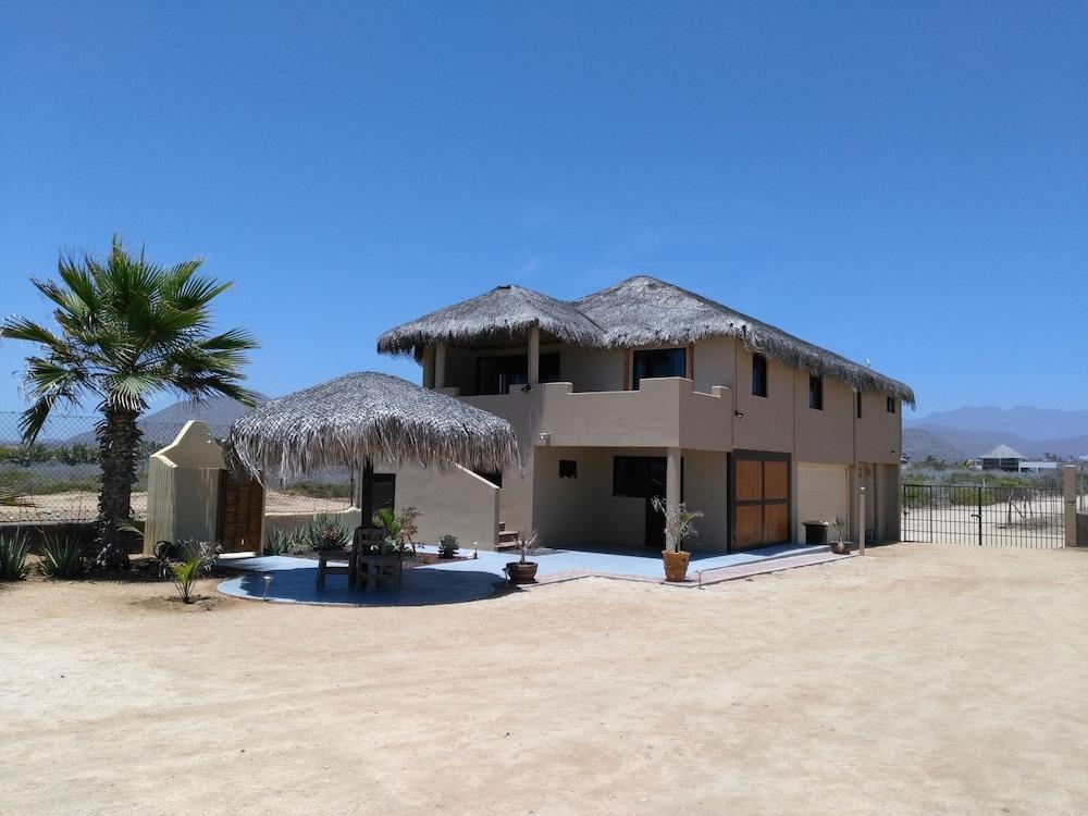Cerritos Beach Palace Entire