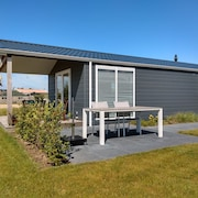 New Luxury Chalet in a Charming Park in Sunny Zonnemaire, Zeeland