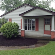 Minutes From Cedar Point! Pets! Beach! Free Wifi! Year Round - Fresh Remodeled