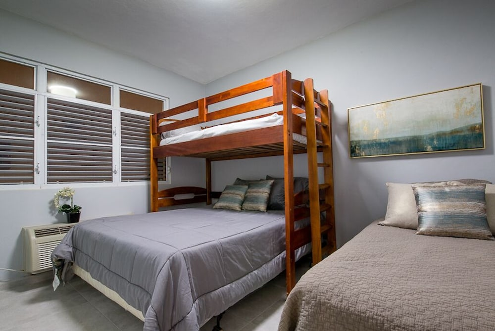 Room, Luxurious Apt, Steps to the Beach, Isabela PR