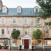 The Red Fox Inn Tavern