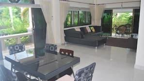 TV layar datar